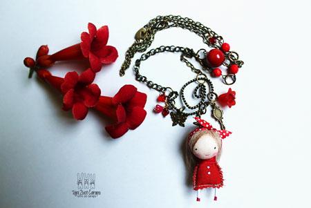 リボン。お花。真っ赤。カワイイ…。